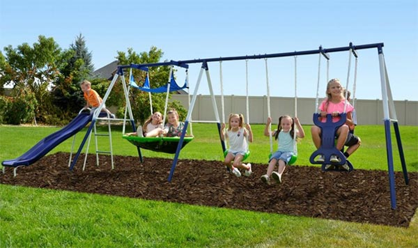 Perfect steel playset for young kids - Recommended age is 3 - 8 years old. good value for money
